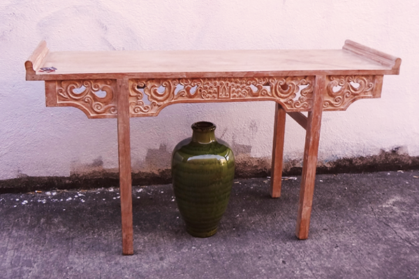 600x400--table-and-vase--social