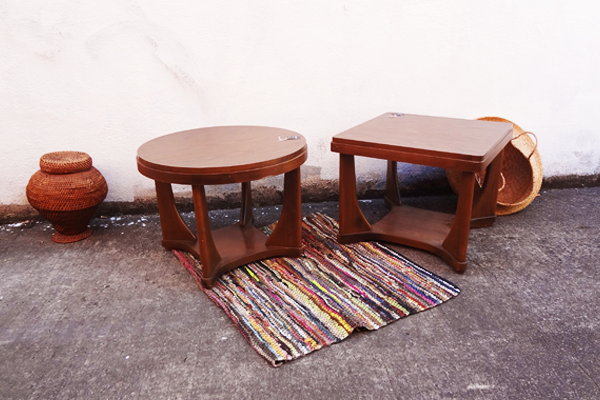 600x400--two-side-table--social